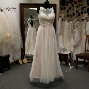 DaVinci informal blush wedding gown, 12